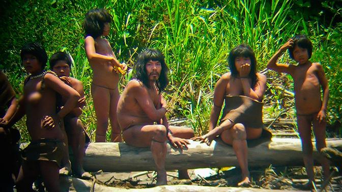 Взрыв из прошлого: в Перу вооруженные луками индейцы напали на цивилизованный поселок