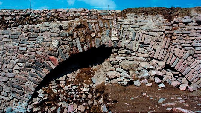 Археологи обнаружили загадочные послания в тоннелях Монтесумы