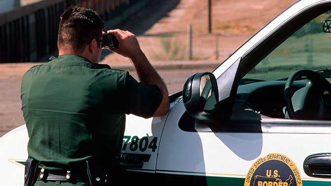 Пограничник США ранил жителя России уграницы сМексикой