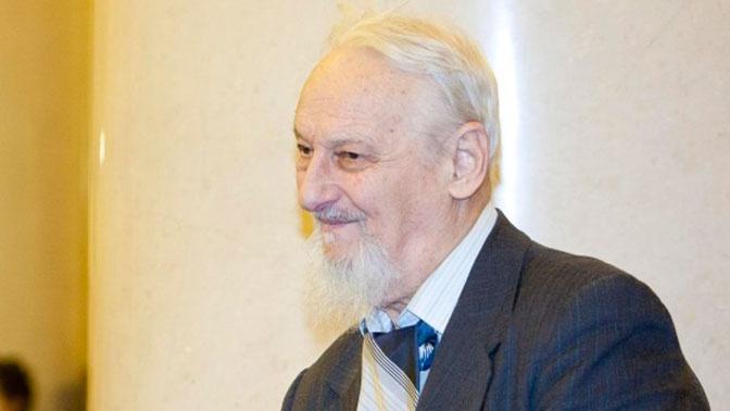 Известный математик попал в реанимацию после отравления «Кротом»