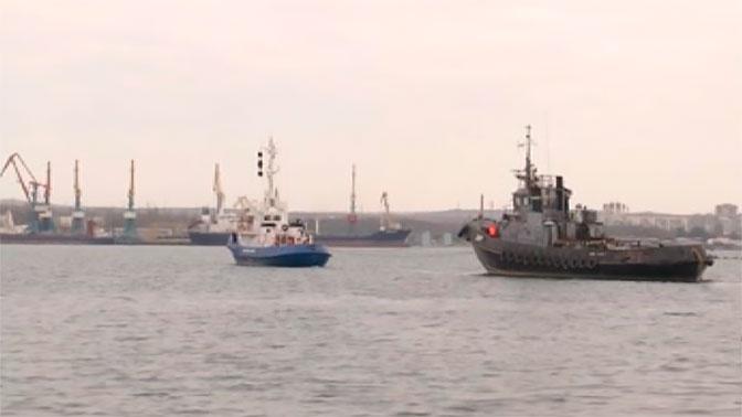 Отправка украинских катеров из Керченской бухты: эксклюзивные кадры