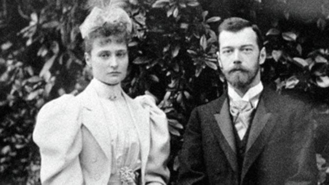 Николай II и его супруга Александра Федоровна