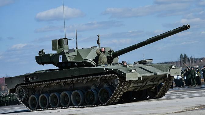 Чемезов назвал сроки поступления в ВС РФ первой партии танков «Армата»