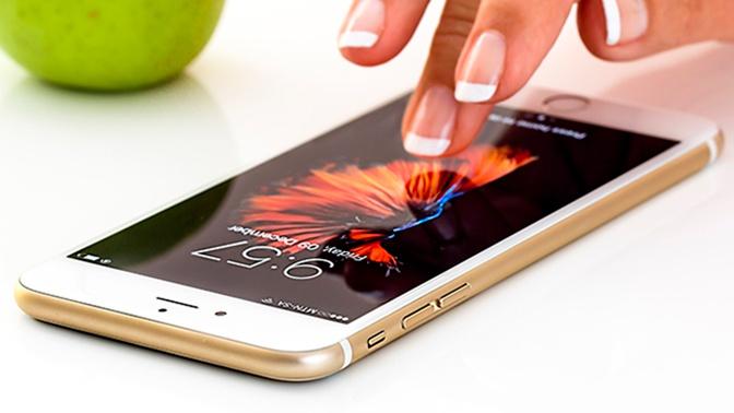 Эксперт рассказал о смертельной опасности монитора смартфона