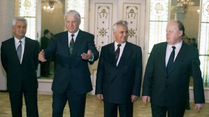 Соратник Ельцина рассказал о просьбах Крыма и Донбасса войти в состав России в 1991 году