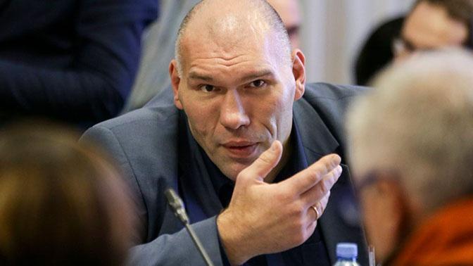 «Их можно только уважать»: Валуев об отказе наших боксеров ехать на Олимпиаду без флага РФ