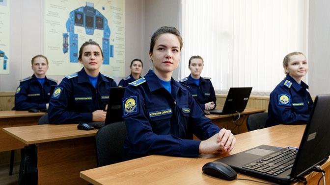 Курсантки Краснодарского авиаучилища могут стать летчиками-истребителями