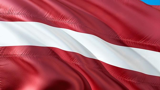 В Латвии предложили платить за разговоры на русском