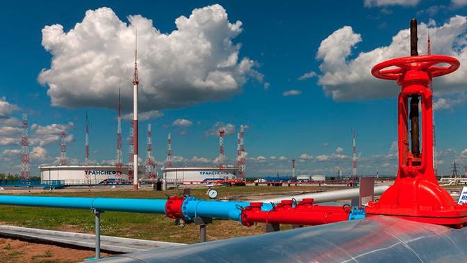 Белоруссия временно приостановила экспорт нефтепродуктов