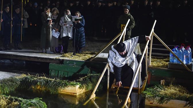 В день Крещения Господня военнослужащие ВДВ окунулись в купель на Медвежьих озерах