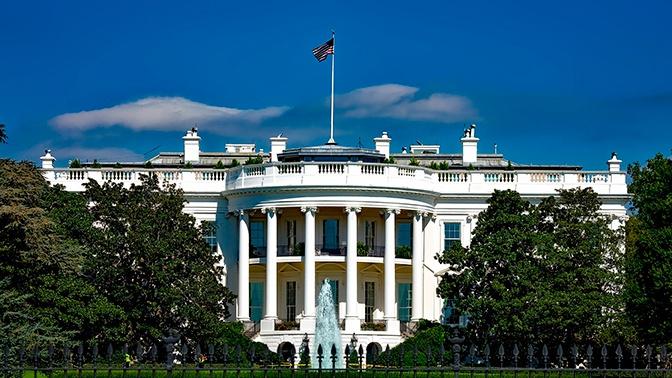 СМИ: советника Трампа по России отстранили от работы