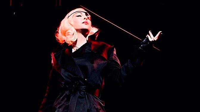 Мадонна отменила из-за болезни восьмое выступление подряд