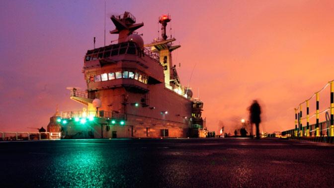Командующий ВМФ: российские вертолетоносцы заложат к 9 мая