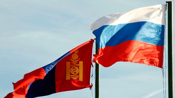 Замминистра обороны Фомин встретился с послом Монголии