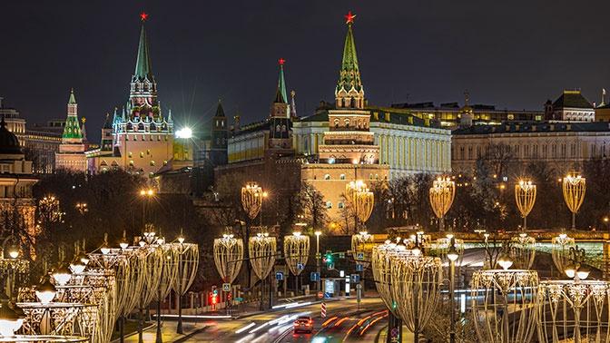 В Кремле прокомментировали инициативу по учреждению выходного дня для голосования по Конституции