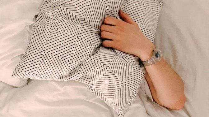 Ген «короткого сна»: эксперт рассказал, кому можно спать меньше 8 часов в сутки