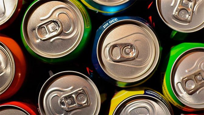 Бодрость или здоровье: диетолог объяснил, кому нельзя употреблять энергетики