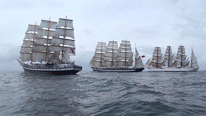 На всех парусах: кадры гонки российских судов в Южной Атлантике