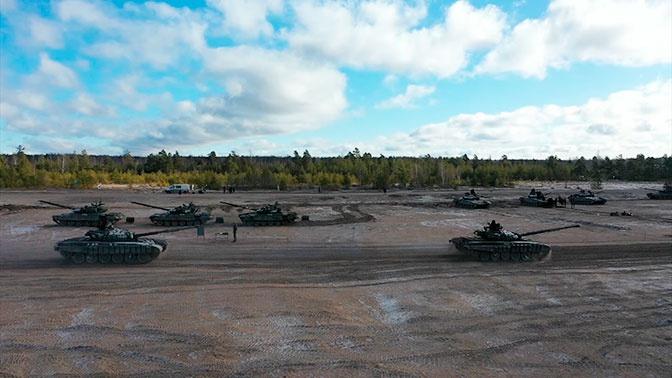 Защита от заражения и помощь раненым: как проходит новый этап «Танкового биатлона» под Петербургом