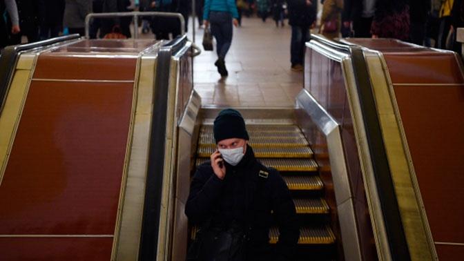 Загруженность метро в Москве снизилась на треть из-за коронавируса