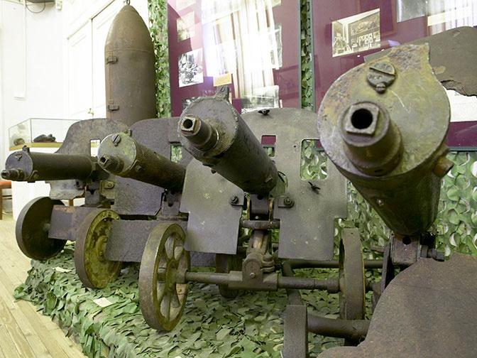 Пулеметы Максима в музее Блокады.
