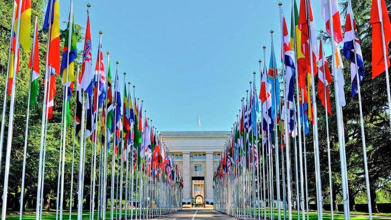 Не в интересах НАТО: почему альянс не торопится помогать в борьбе с коронавирусом