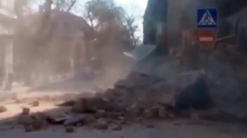 В Одессе обрушилось многовековое историческое здание: видео