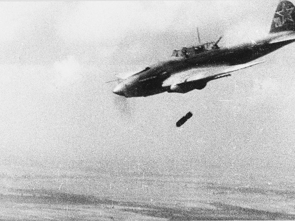 Ил-2 сбрасывает бомбу