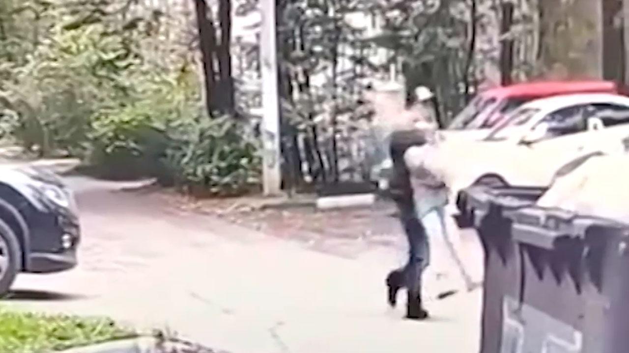 Число преступлений растет: как предлагают бороться с педофилами в России