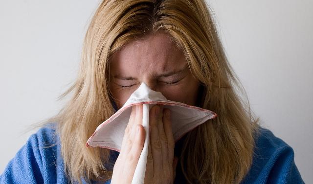 В Роспотребнадзоре заявили о синхронном подъеме заболеваемости ОРВИ и коронавирусом