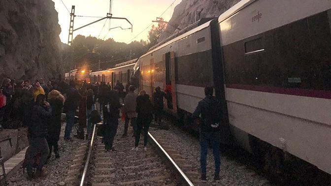 ВИспании столкнулись два поезда, есть погибший итравмированные